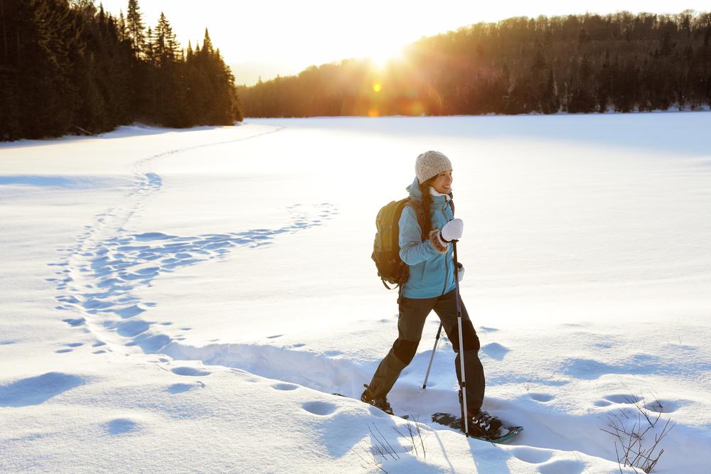 février - faire des raquettes dans les alpes